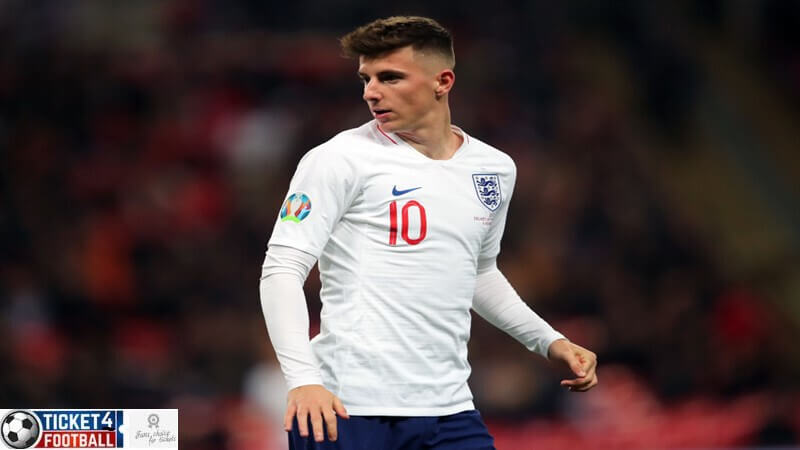Who should play as an attacking midfielder for England at Euro 2020?